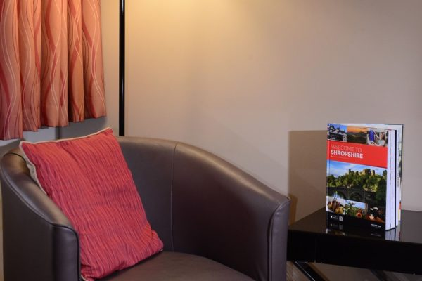 033 Standard Double- Living Area- Holiday Inn Telford Ironbridge