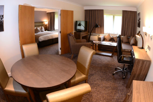039 Suite Room - Fish Bowl - Holiday Inn Telford Ironbridge